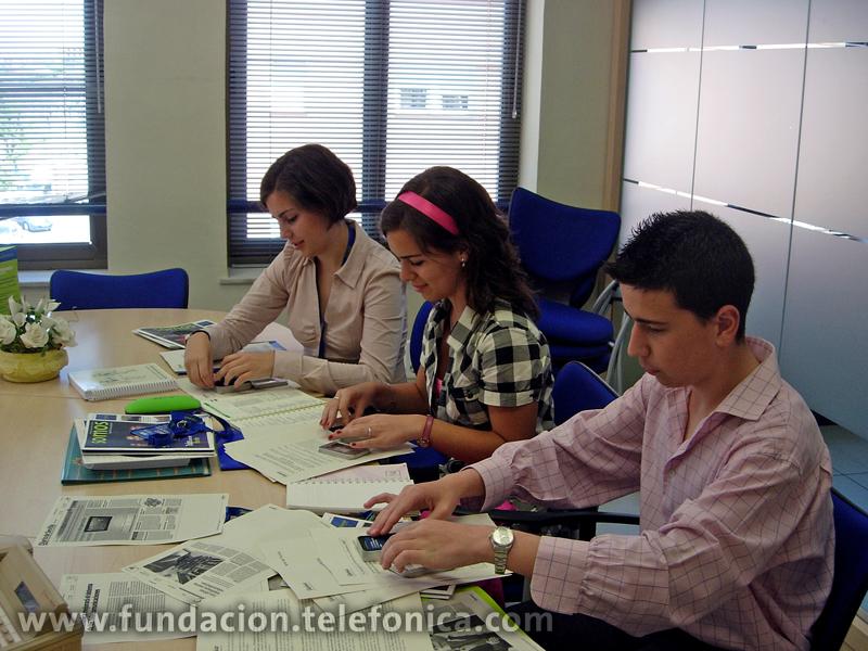 Los Voluntarios de Sevilla acercan a los jóvenes a la realidad empresarial