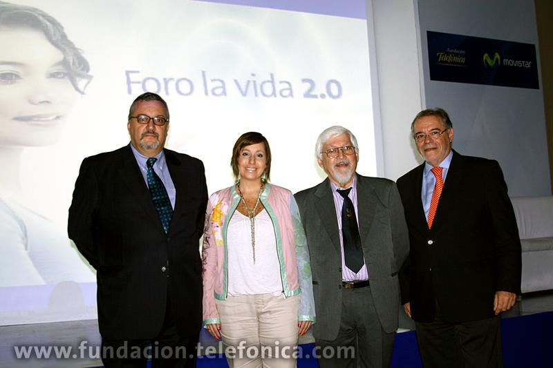 De izquierda a derecha:  Sergio Dahbar, Karely Munarriz, Antonio Cova y Roberto Eliaschev.