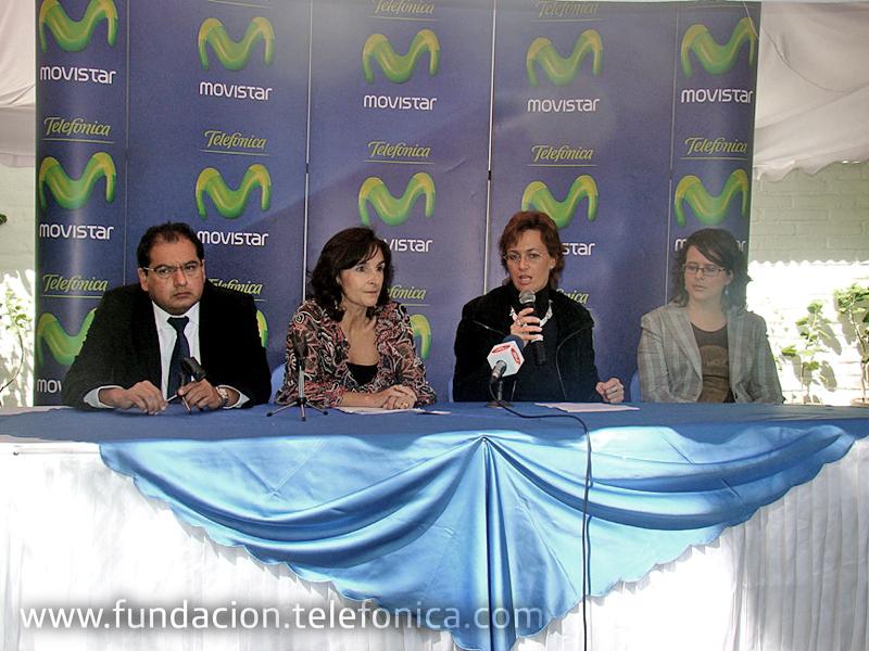 De izquierda a derecha: Paolo Lara, representante del Ministerio de Telecomunicaciones; Carolina Jijón, Directora Fundación Botánica de Los Andes; Dagmar Thiel, Vicepresidenta Fundación Telefónica – Movistar y Patricia Enríquez, representante del Ministerio de Educación.