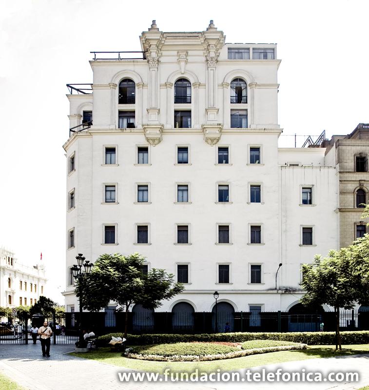 Edificio de la Compañía Peruana de Teléfonos.