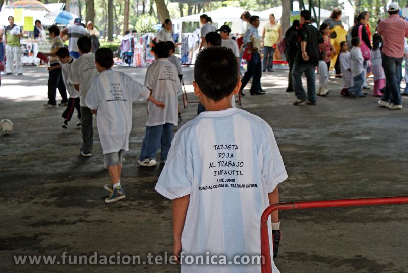 Durante el evento en el Parque de los Venados, se realizaron juegos para los niños con temáticas sobre derechos de los niños, pinta tu camiseta en contra del trabajo infantil, mini torneo de futbol y otras actividades más.