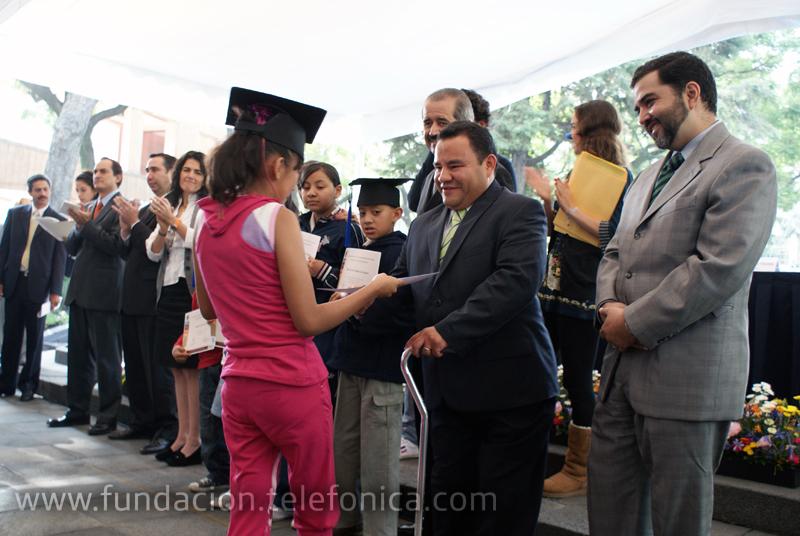 Más de 30 niños recibieron  su diploma este año y son pacientes de los institutos nacionales de Rehabilitación, Enfermedades Respiratorias, Pediatría, Cardiología, Cancerología, Infantil de México, entre otros.