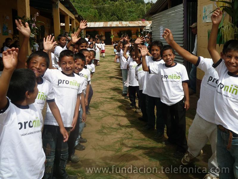 """Fundacion Telefónica desarrolla un """"Foro Proniño"""" para conmemorar el Día Mundial contra el Trabajo Infantil."""