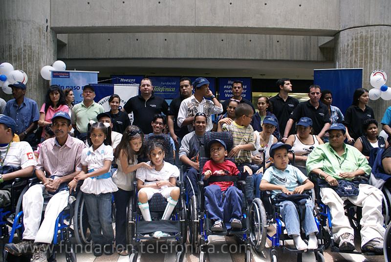 Una vez más, Fundación Telefónica y la Fundación Venezolana Pro-Cura de la Parálisis ponen a rodar Nuevas Esperanzas por el país y favorecen a 44 nuevos venezolanos que requieren de una silla o un coche especial para facilitar su desplazamiento.