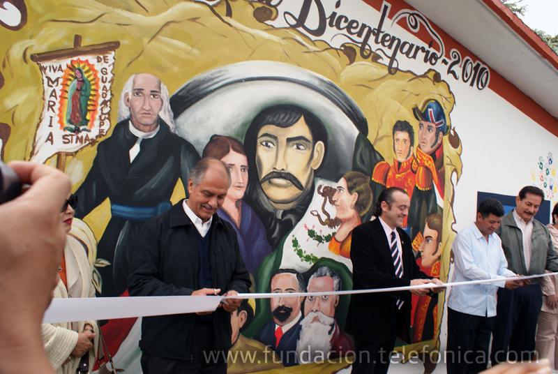 En Chiapas, la Fundación Telefónica México inaugura la cuarta Aula Tecnológica Bicentenario.