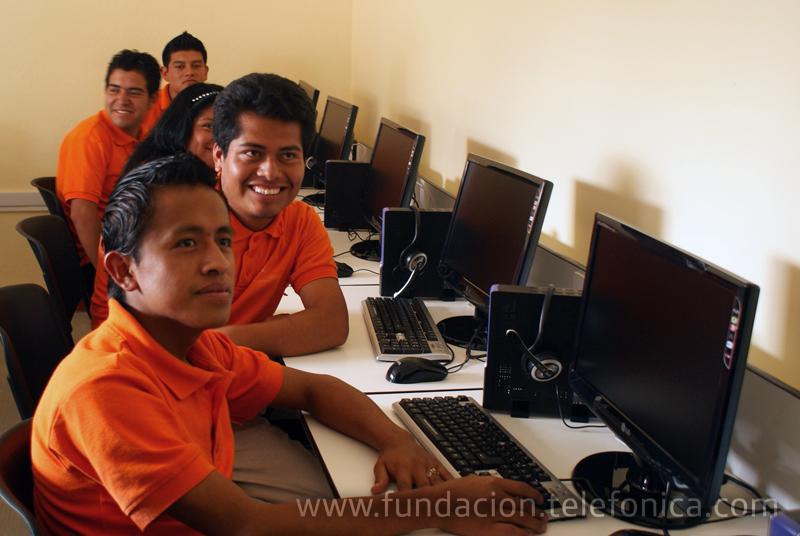 Fundación Telefónica México, inauguró el pasado 23 de julio la cuarta Aula Tecnológica Bicentenario EducaRed en colaboración con el Consejo Nacional de Fomento Educativo (CONAFE) y el Gobierno del Estado de Chiapas.