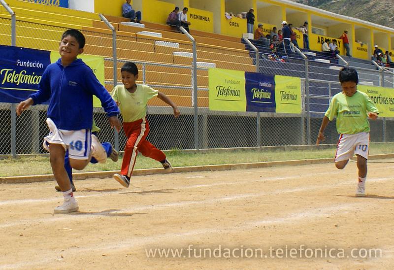 Los jóvenes ganadores del concurso LACVOX asistirán como invitados al III encuentro internacional contra el trabajo infantil en Bogotá.