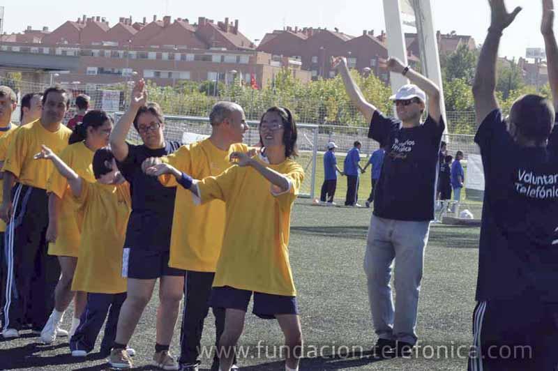 Más de 50 voluntarios participaron en las actividades lúdico-deportivas para personas con discapacidad, en colaboración