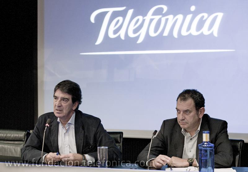 El director general de Fundación Telefónica, Francisco Serrano y el arquitecto Iñaki Ábalos.