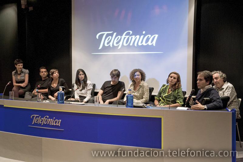 Un momento de la mesa redonda con los autores de los proyectos presentados.