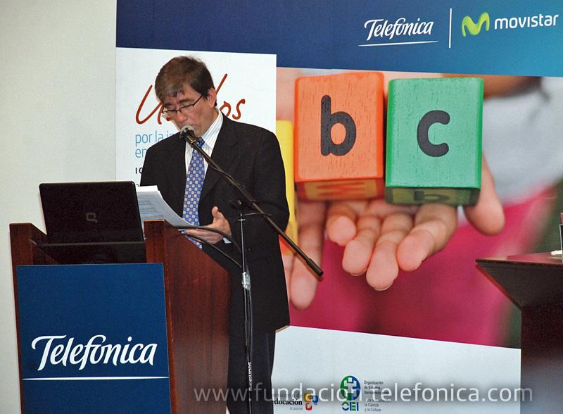 Momento de la ponencia de Ignacio Jara (para enviar a Mónica Carrasco de Vistazo quien le entrevistó telefónicamente).