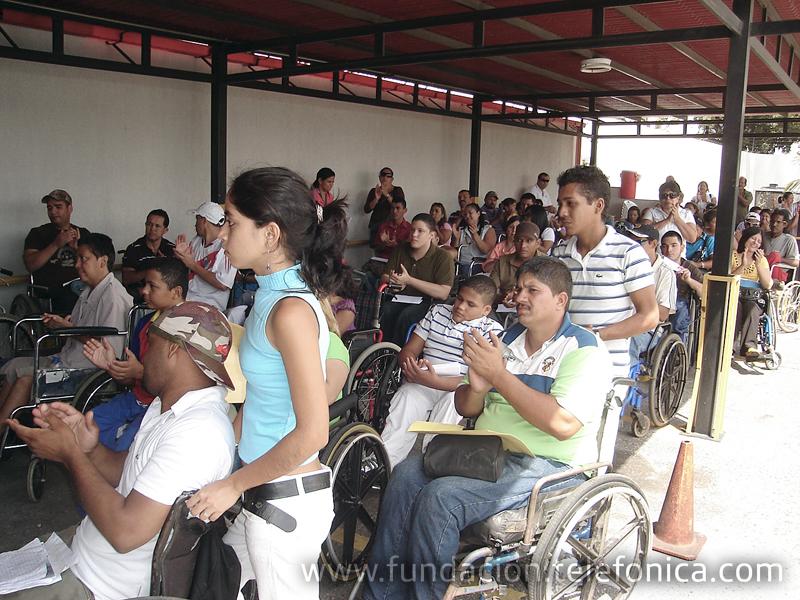 Fundación Telefónica y la Fundación Venezolana Pro-Cura de la Parálisis ponen a rodar Nuevas Esperanzas por el país y favorecen a 39 nuevos venezolanos que requieren de una silla o un coche especial para facilitar su desplazamiento.