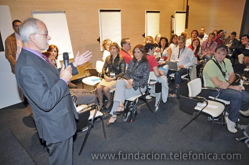 Javier Nadal, Vicepresidente Ejecutivo de Fundación Telefónica, fue el encargado de dar la bienvenida a los asistentes a la jornada formativa.