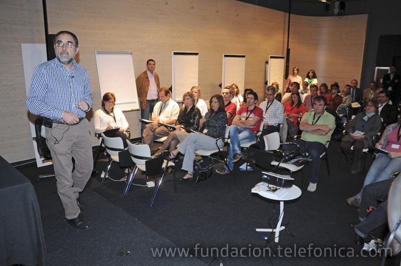 La sesión formativa de la mañana corrió a cargo de Alfons Cornella, Presidente de Infonomia.com
