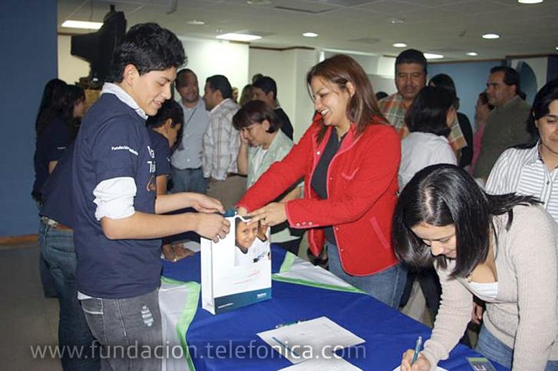 Fundación Telefónica celebró el pasado 1 de octubre, el Día Internacional del Voluntario Telefónica, con el objetivo de manifestar el compromiso de Telefónica con la sociedad, dando visibilidad a sus empleados voluntarios y reconociéndoles la labor que realizan.