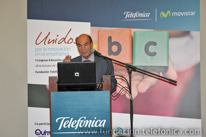 Ponencia del Director Internacional de Programas Sociales para la Infancia de Fundación Telefónica, Oscar Battistone