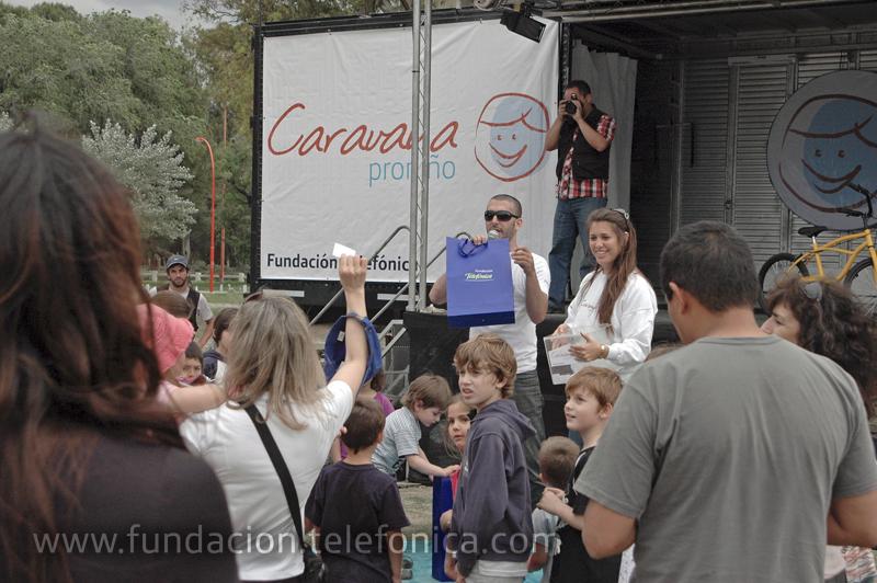 """La """"Caravana Proniño"""" estuvo presente en Bahía Blanca para concienciar sobre la problemática del trabajo infantil."""