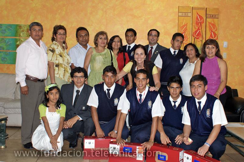 Carlos Alfaro, Alonso Andrade, José Cabrera, Franco Chinchay, Edson Espinosa y Exson Sandoval, alumnos del CEIP
