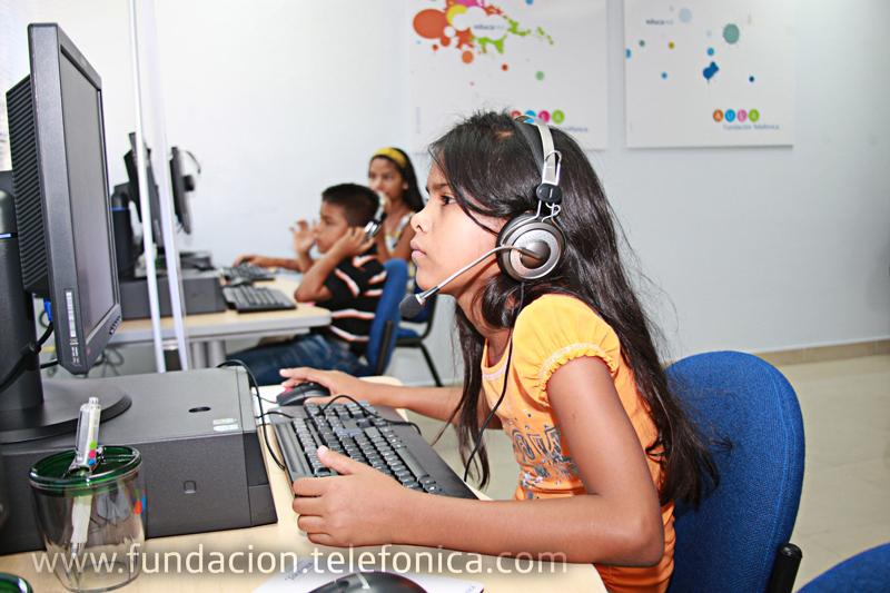 """Fundación Telefónica presenta el programa Integra en el seminario """"Innovación permanente para el colectivo migrante"""""""