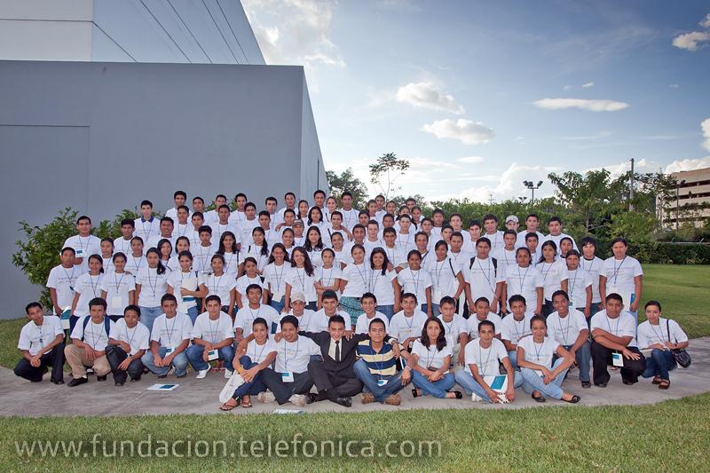 Los jóvenes participaron de un taller donde expusieron sus expectativas sobre el programa lanzado por Telefónica.