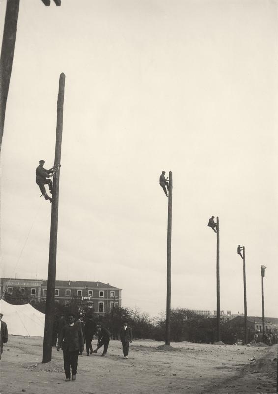 Alfonso, 1925. Escuela de Capataces y Celadores. Madrid.