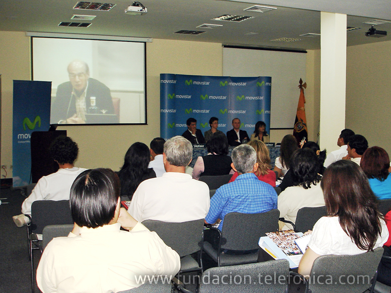 Videoconferencia de Oscar Battiston, Director Internacional de Proniño, ante representantes de ONG participantes de Guayaquil.