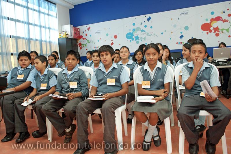 """Fundación Telefonica organiza taller de periodismo para niños """"Pido la Palabra""""."""