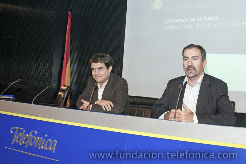 De dcha a  izda.: el director de Conocimiento en Red de Fundación Telefónica, José de la Peña, y el socio director de estrategia de Territorio Creativo, Fernando Polo.