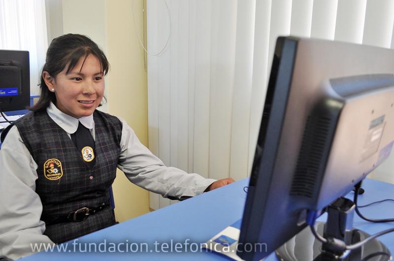 Escolares del comprejo educativo de Huáscar, ciudad de Puno, Perú.