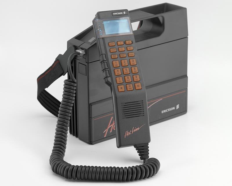 Teléfono móvil Automático (T.M.A.) Fabricante: L. M. Ericsson Fecha: 1990/1992