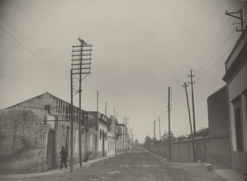 Antiguos postes en la carretera a Gibraleón, Huelva © Marín, 1928.