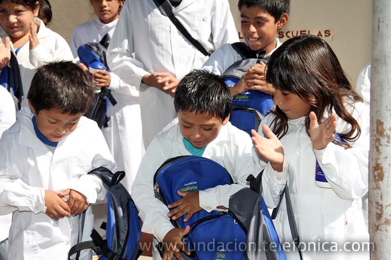 Fundación Telefónica entregará 5500 mochilas con útiles escolares a distintas escuelas del país.