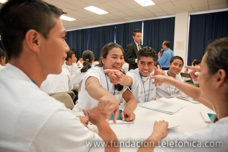 El programa Jóvenes brinda cursos preuniversitarios a 43 beneficiarios en El Salvador