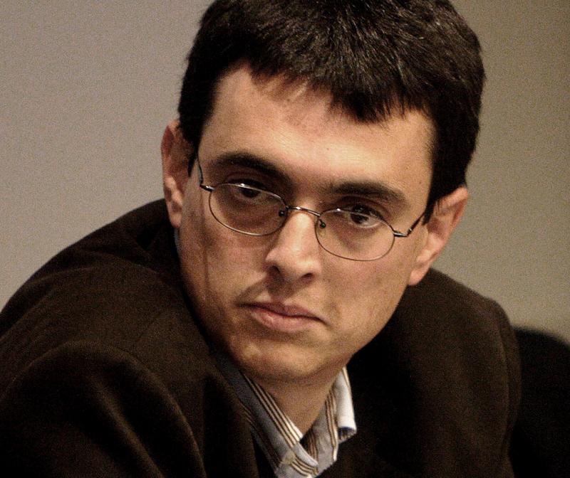 Juan Freire es Biólogo es profesor universitario y emprendedor.