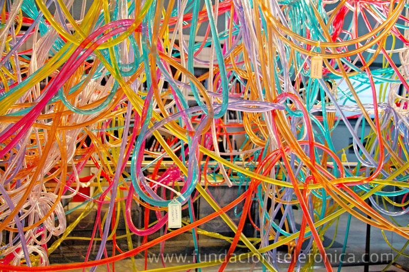 """La Sala de Arte de Fundación Telefónica en Santiago de Chile presenta la exposición """"Variaciones de lo Invisible""""."""