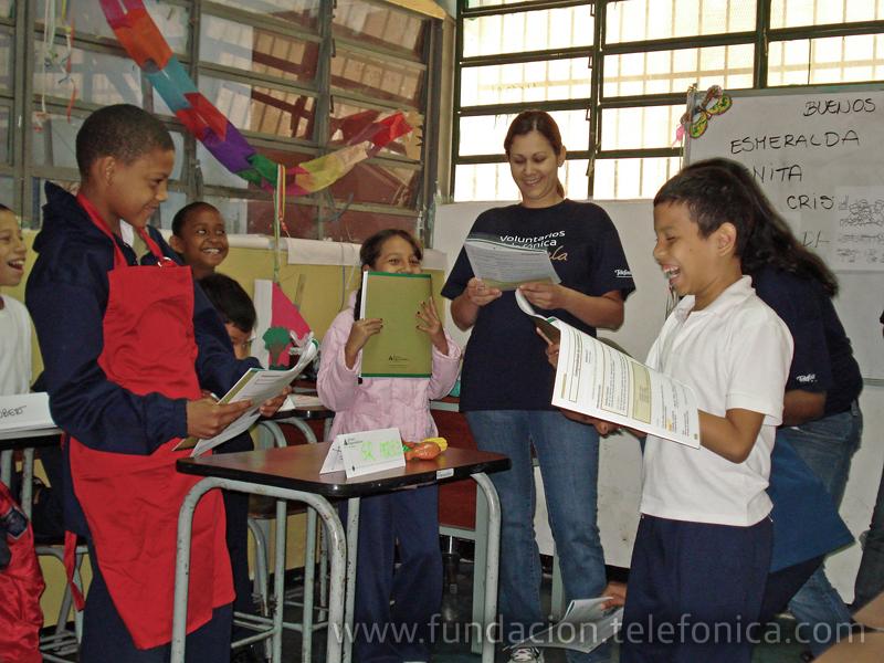 Voluntarios de diferentes áreas de Telefónica dieron inicio a la primera fase del programa