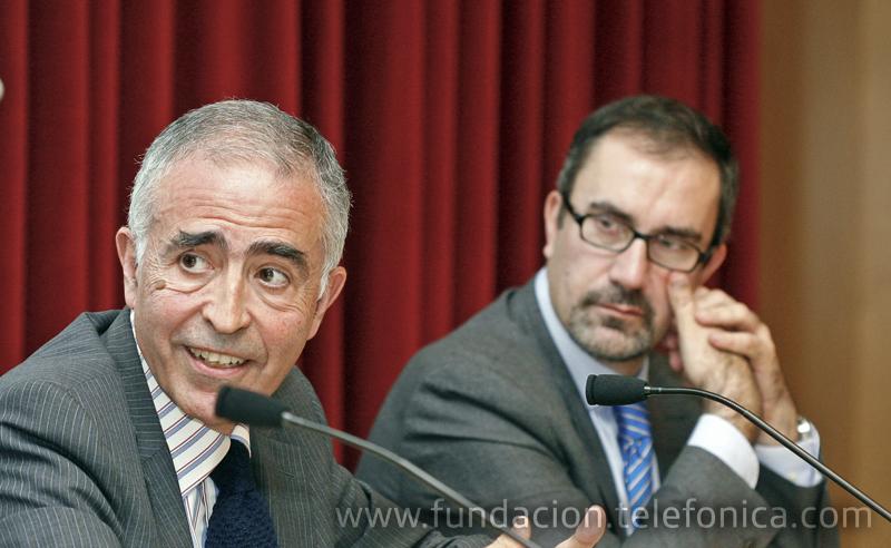 De izquierda a derecha: Antonio Castillo Holgado, Fundación Telefónica y José de la Peña Aznar, Director de Conocimiento en Red de Fundación Telefónica.