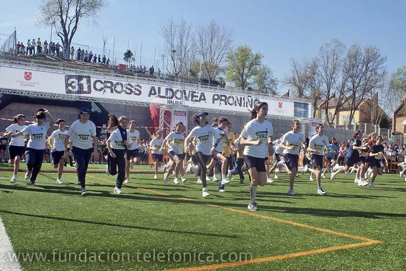 Más de 8.000 niños y niñas participaron en el Cross Aldovea Proniño, la mayor carrera escolar de España.