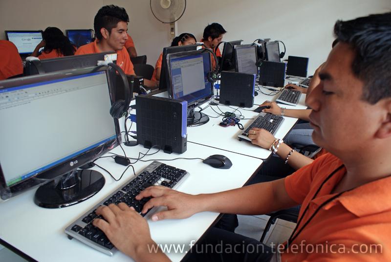 Fundación Telefónica inaugura su séptima Aula Tecnológica en Veracruz en alianza con el Consejo Nacional de Fomento Educativo (CONAFE).