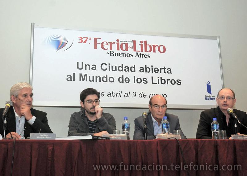 """El libro """"La Hora del Recreo"""" se presentó en la Feria Internacional del Libro de Buenos Aires."""