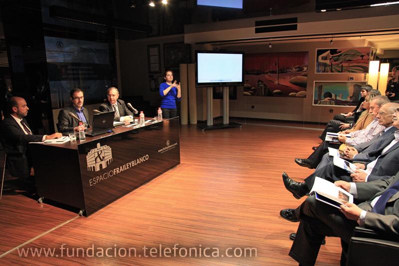 La primera publicación hipermedia de Fundación Telefónica permite al usuario cinco formas de lectura.