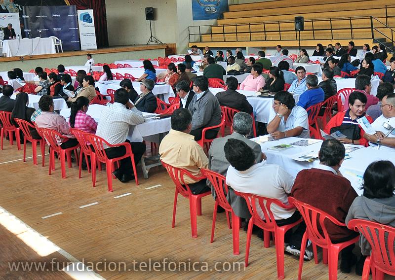 Más de 100 directores y rectores de instituciones educativas de la provincia de Imbabura.
