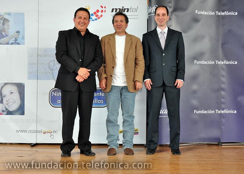 De izq. a der. Miguel Albán (Ministerio de Telecomunicaciones); Ángel Castillo Rueda (Ministerio de Educación) y Sebastián Carreño (Fundación Telefónica - Generaciones Interactivas)