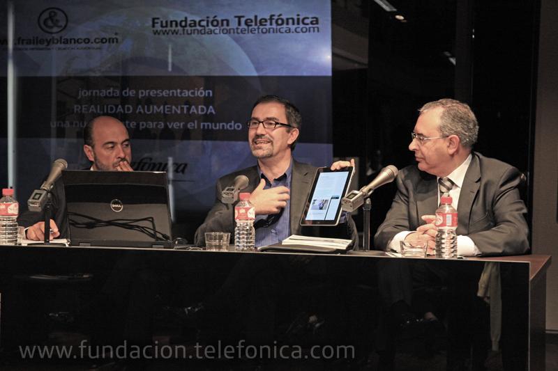 De izquierda a deracha: Juanjo Fraile, director gerente de Fraile & Blanco; José de la Peña, director de Conocimiento en Red de Fundación Telefónica; Fermín Llaguno, director autonómico de Telefónica en Cantabria.