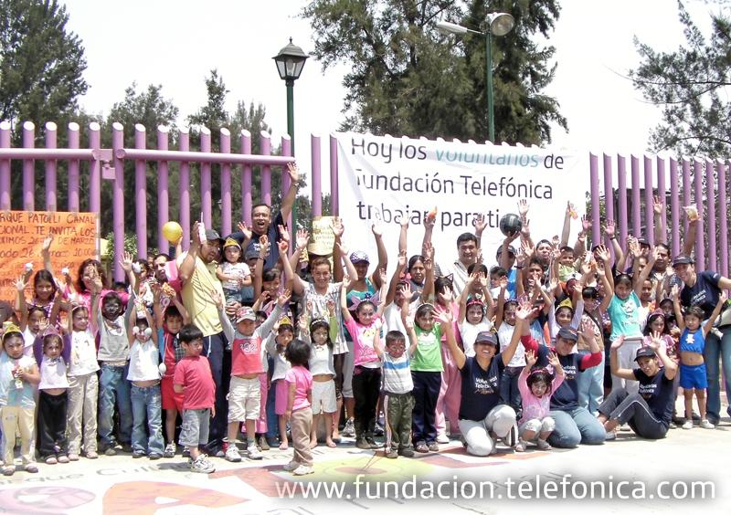 Los Voluntarios Telefónica colaboran con espacios recreativos para el bien de la comunidad.