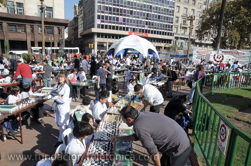 El programa Aulas Hospitalarias de Fundación Telefónica se sumó en su versión on line a las simultáneas gigantes de ajedrez escolar