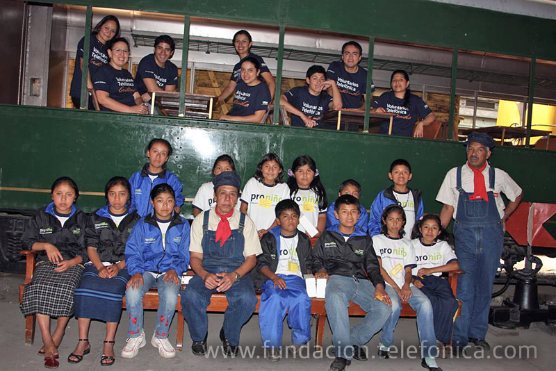 Dicha actividad se realiza en el marco de las acciones del Comité de Voluntarios encargado de las actividades con el objetivo de crear espacios de recreación y aprendizaje cultural para los niños.