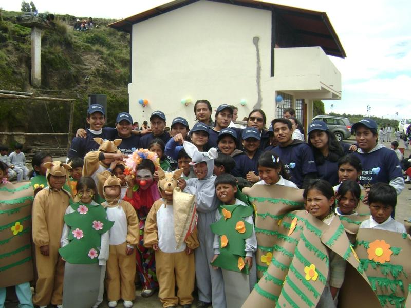 El programa Jóvenes organizó una jornada ambiental en Ecuador.