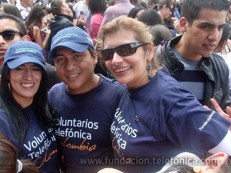 Voluntarios Telefónica Colombia se unen a Voces Solidarias.