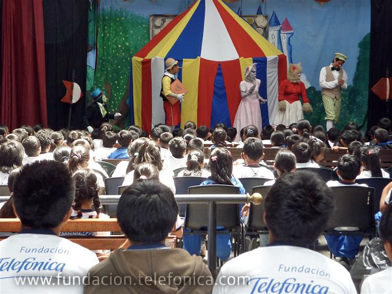En la obra de teatro los niños de Proniño pudieron disfrutar de la presentación de Pinocho y de una nutritiva refacción.